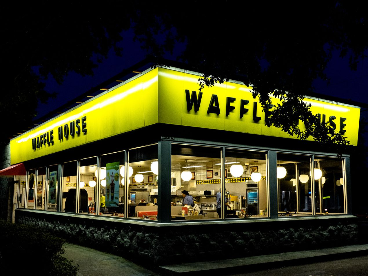 Romantic Valentine S Day Dinner At Waffle House Yes It S